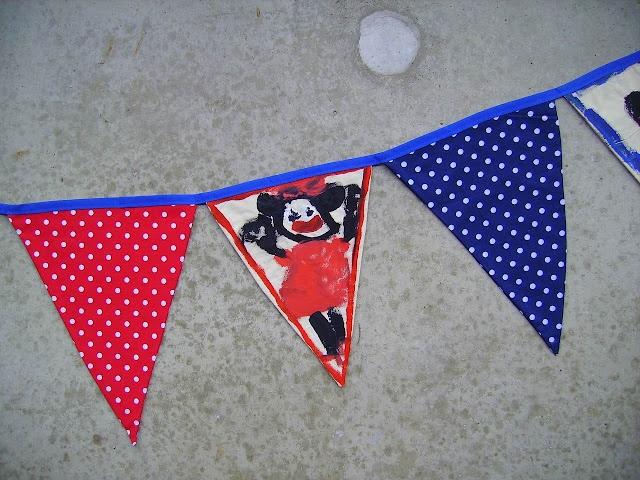 superleuk juffen cadeau, maak een vlaggenlijn van stof en laat ieder kind uit de klas een vlaggetje beschilderen