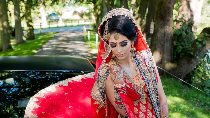 Looking for best Asian Wedding Photography in UK? Contact Ace Star weddings for all kind of wedding photography and videography services. Phone - 01274 296 866