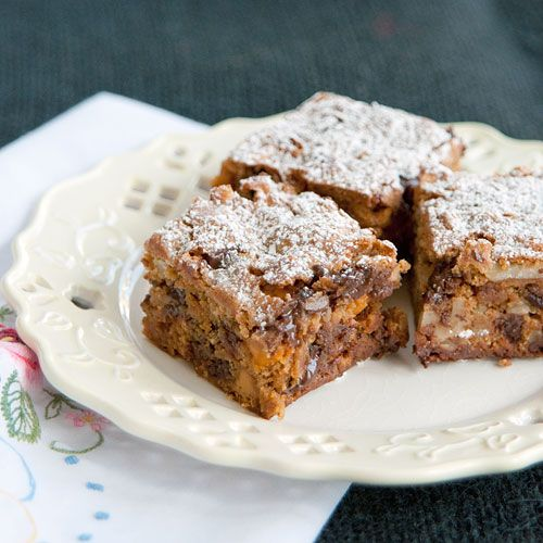 Graham Cookie Bars from @NevrEnoughThyme http://www.lanascooking.com/2012/12/04/graham-cookie-bars/