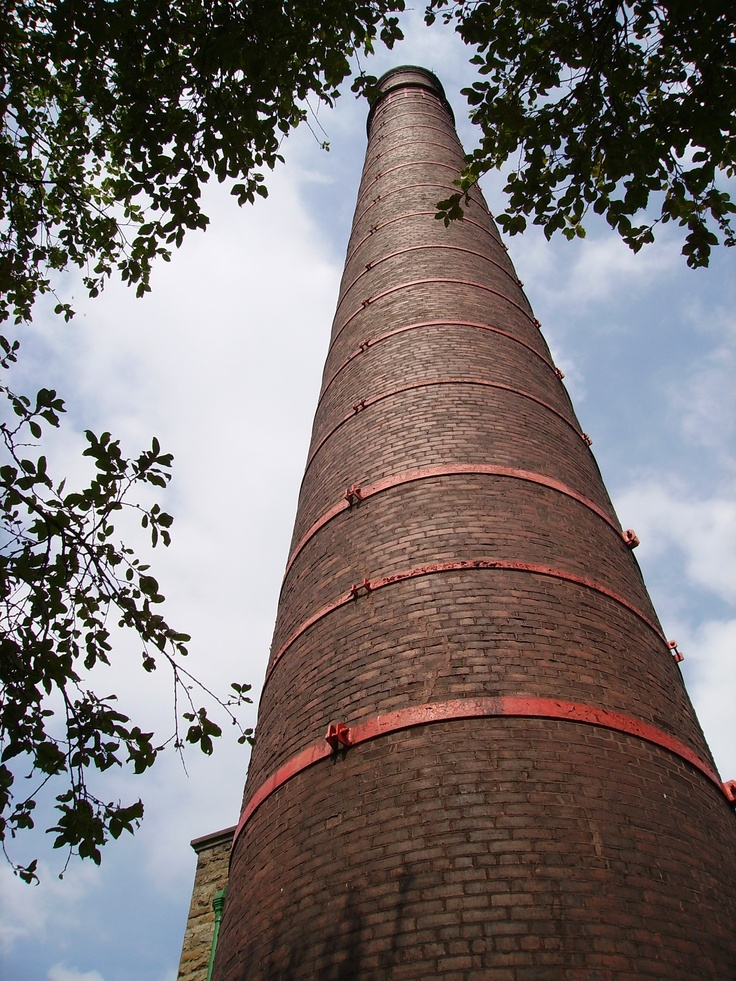 Chimney at Queen St Mill, Burnley