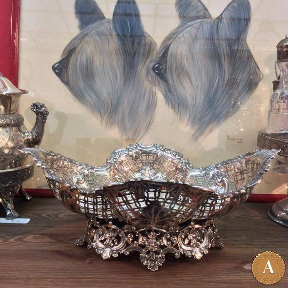 Антикварная серебряная ваза, 1897 год
