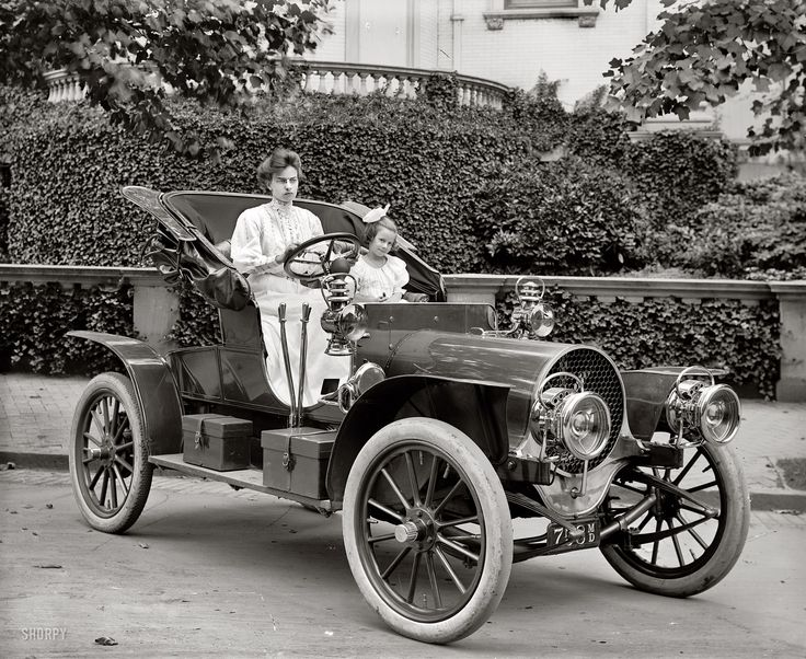 Driving in 1908