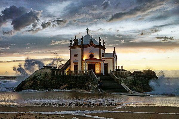 Igrejas lindas em Portugal - Capela do Senhor da Pedra, Praia de Miramar, Vila Nova de Gaia