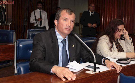 Deputado da base aliada pede ao Governador aposentadoria integral para policiais militares