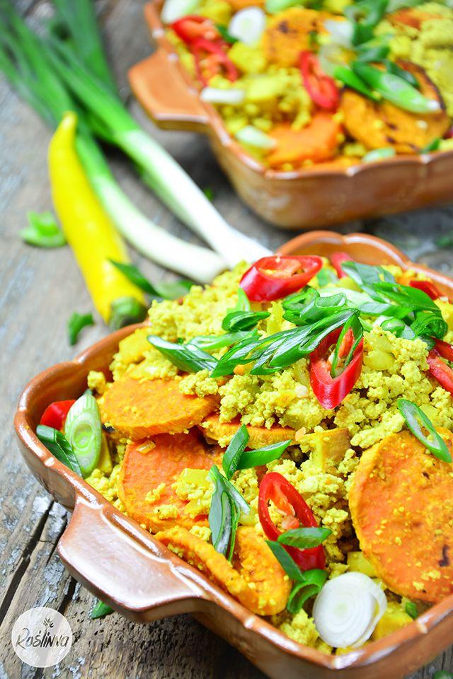 Roślinna : Sycąca potrawka z tofu i słodkich ziemniaków