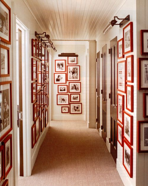 I love red picture frames!Wall Art, Elle Decor, Hallways, Black And White, Gallery Walls, Red Frames, Frames Wall, Pictures Frames, White Wall