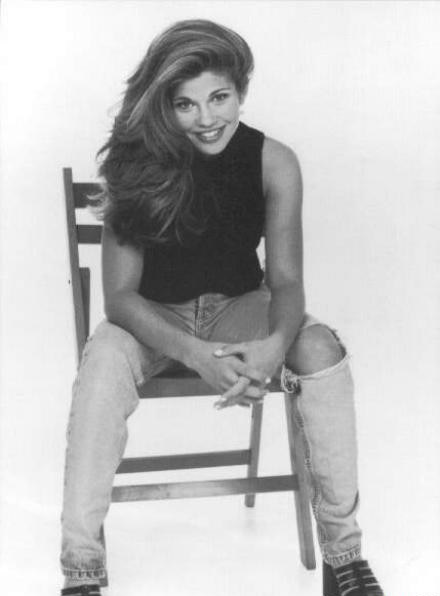Actress Danielle Fishel: she's so freakin gorgeous!!!