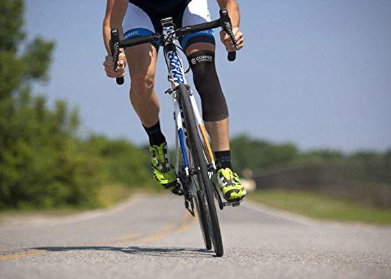 Top 10 Best Knee Sleeves And Knee Braces 2020 Reviews Avozee Com Bike Training Cross Training For Runners Heart Rate Training