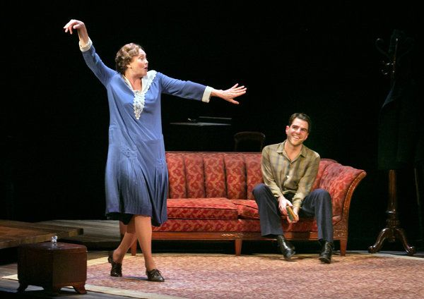 'The Glass Menagerie' Stars Cherry Jones and Zachary Quinto - NYTimes.com #Broadway #NYC