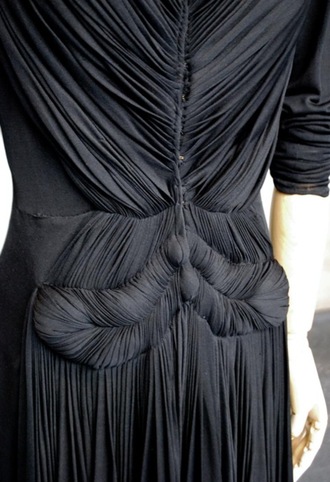Fine Pleats - fabric manipulation for fashion design; pleated dress with surface texture detail // Madame Gres
