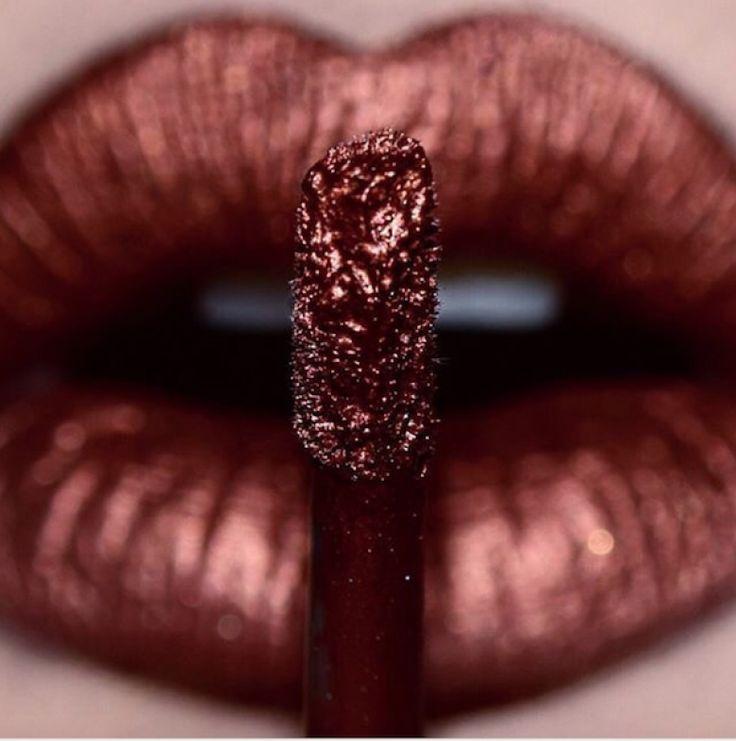 Beauty Trend : Cette saison, on ose le rouge à lèvres métallique ! - Les Éclaireuses
