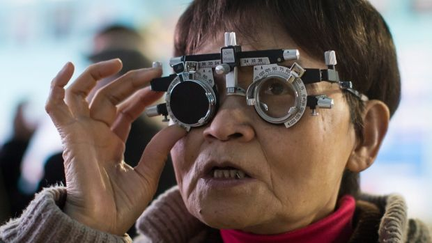 It's nice to see people volunteering to help seniors. Way to go Vancouver. Click the link for full article. #Barthmann #DentureClinic  https://www.ctvnews.ca/health/volunteers-offer-free-eye-care-to-seniors-in-vancouver-s-downtown-eastside-1.3829046