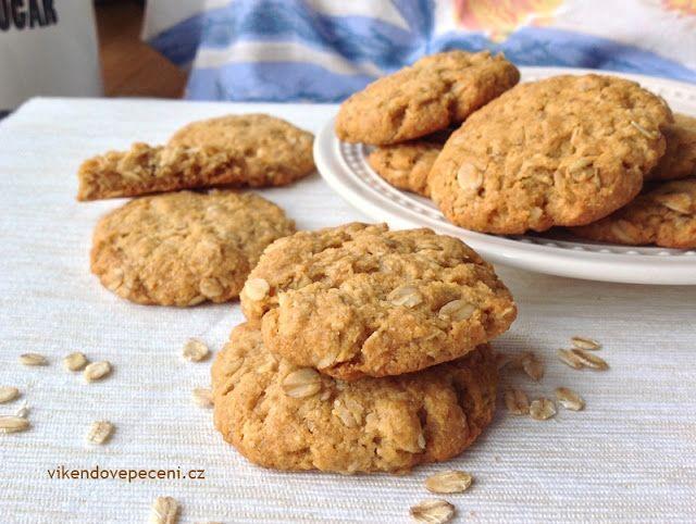 VÍKENDOVÉ PEČENÍ: Ovesné cookies s kokosem