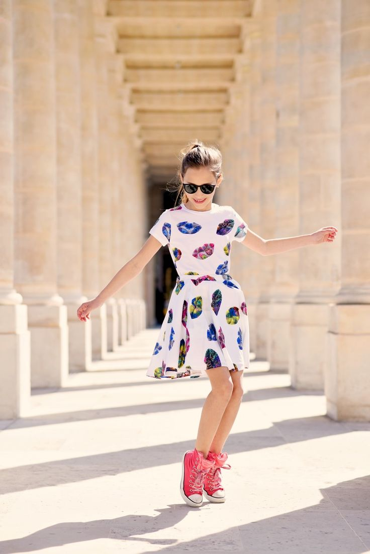 Likes the overall dress (just not the fabric pattern); knit dress; would change…