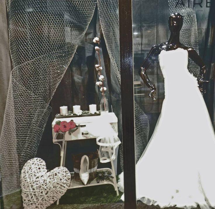 Quieres celebrar San Valentín con nosotros? Ven el 14 de febrero y te haremos un 30% de descuento en vestidos outlet. COLECCIONES 2015.  Noasweddings. C/ Joan Molins Parera, 60. PALLEJA. www.noasweddings.com #noasweddings #sanvalentin #regalossanvalentin #bodas #fiesta #vestidos #complementos #oulet #accesorios #love