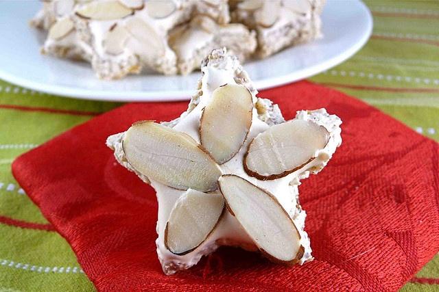 Cinnamon & Almond Meringue Star Cookies (Zimtsterne) Recipe by CookinCanuck, via Flickr