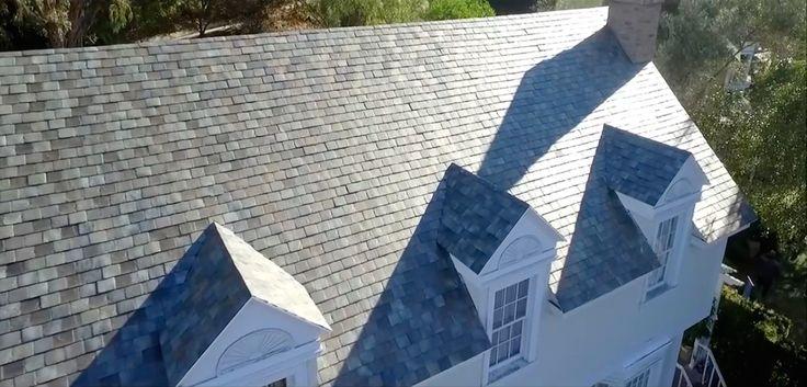 Tesla Solar Roof sont un nouveau type de tuile sobre permettant de récolter l'énergie solaire. Le soleil fournit assez d'énergie en une heure pour subvenir aux besoins de la terre pendant une année entière.