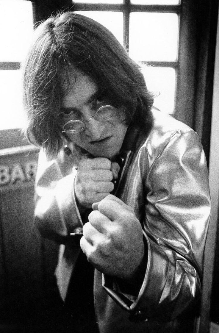 The Beatles - 1968.07.28 John Lennon At The Danza Studio In Ladbroke Road During The Beatles' Mad Day Out Photo Shoot, July 28th, 1968