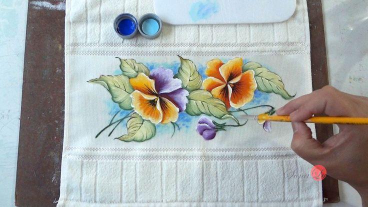 Hora de aprender a pintar um amor perfeito em toalha de lavabo. Vamos pintar? ^^