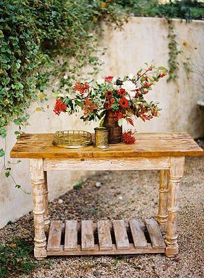 rustic+red+flower+centerpiece