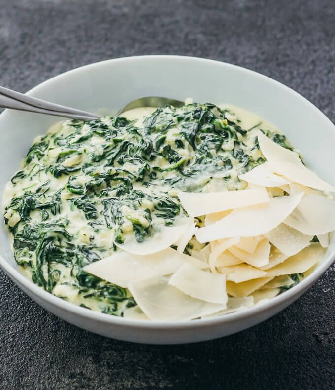 Here's the best and easiest recipe on how to make creamed spinach! Low carb, healthy, cheesy, and comforting, this side is perfect for Thanksgiving.