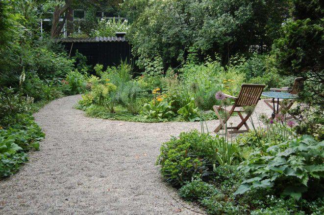tuin in Engelse landschapsstijl bij een herenhuis in Rotterdam