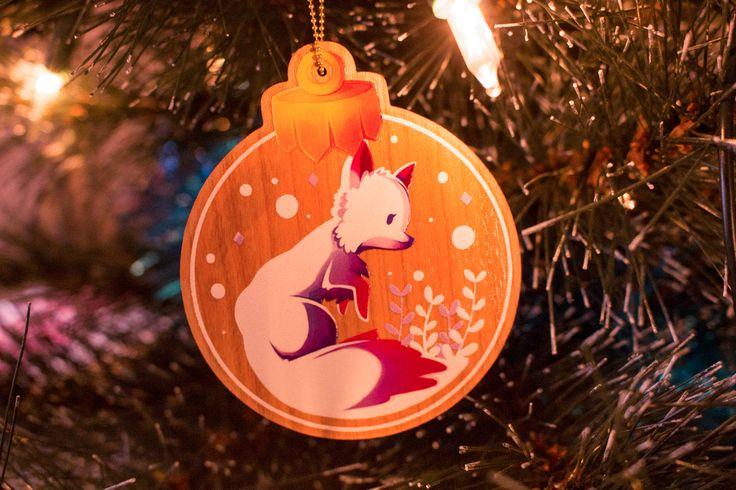 Vous cherchez un petit cadeau original à offrir ? Mes décoration d'hiver sont disponibles et envoyées le lendemain de votre commande. Il est encore temps ! http://etsy.me/2ChvGZV #articlespourlamaison #decorationinterieure #blanc #noel #violet #illustration #decoration
