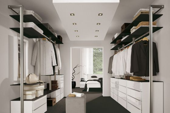 begehbarer kleiderschrank flur schrank zimmer. Black Bedroom Furniture Sets. Home Design Ideas