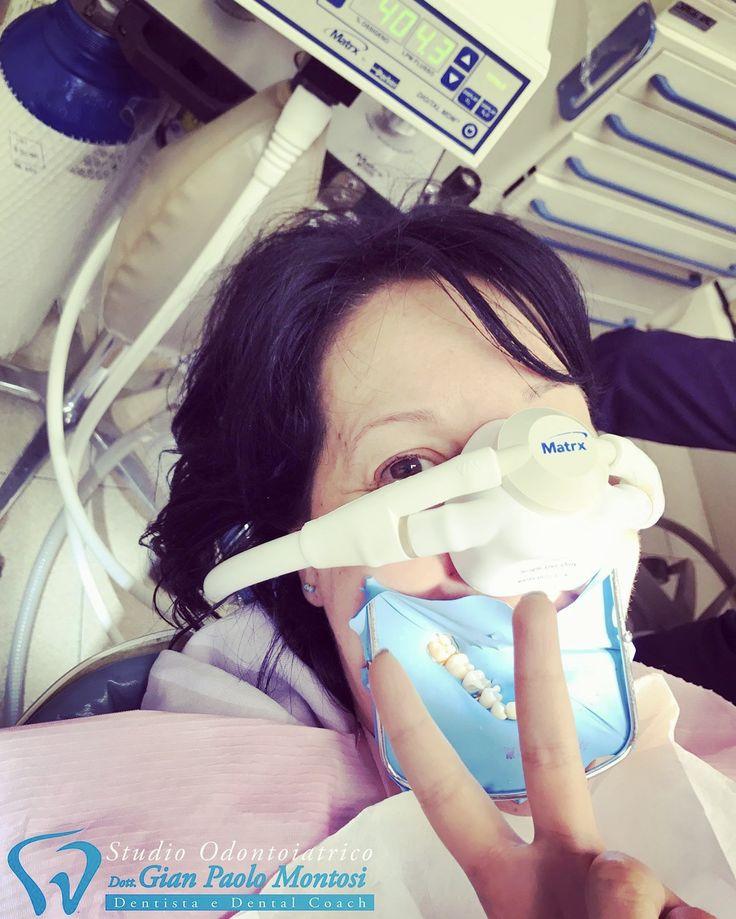 Ma quanto è bello rendere felici i nostri pazienti durante una seduta!?!?! Con l'uso del protossido d'azoto anche le persone più timorose vivranno un'esperienza rilassante e piacevole! Deborah vuoi dirci la tua?  Chiamate lo 059 244464 se volete informazioni in più!