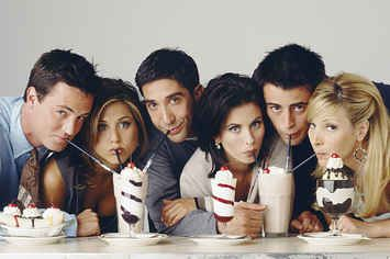 "15 Signs You're A Crazy ""Friends"" Fanatic  ..I was taking this quiz and then The show came on......"