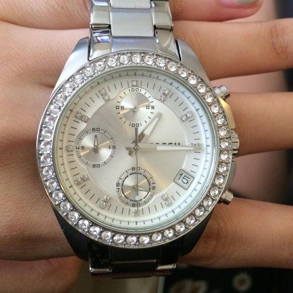 Fossil watch Battery needs to be replaced never worn. PRICE IS FIRM Fossil Accessories Watches