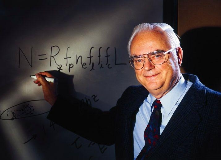 + - Na ciência há várias equações famosas, particularmente na física. Há a equação da Segunda Lei de Newton, a qual declara que a soma do vetor de uma força externa F sobre um objeto é igual à massa m do objeto, multiplicada pela aceleração vetorial a do objeto (F = ma). Há a equivalência …