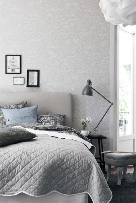Punto Suspensivo — Papel pintado Scandinavian designers by Stig Lindberg flores fondo gris