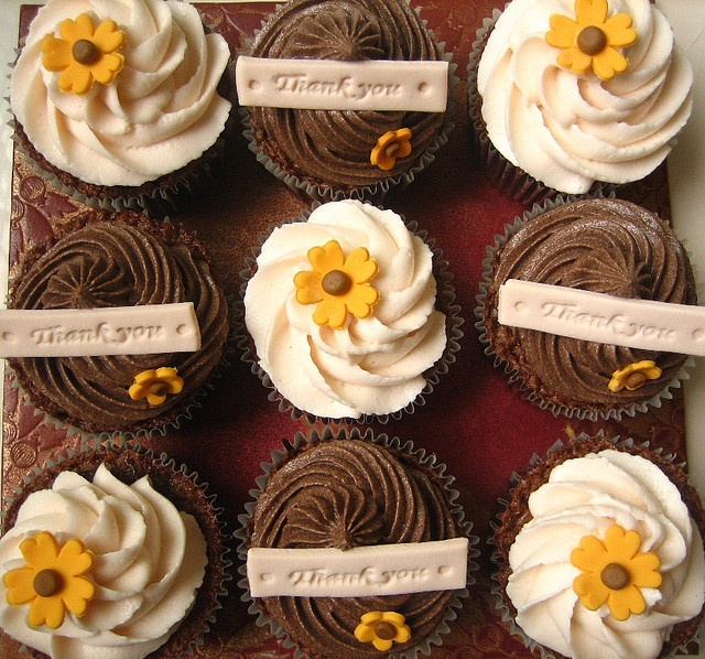Thank You cupcakes by Simply Cupcake, via Flickr