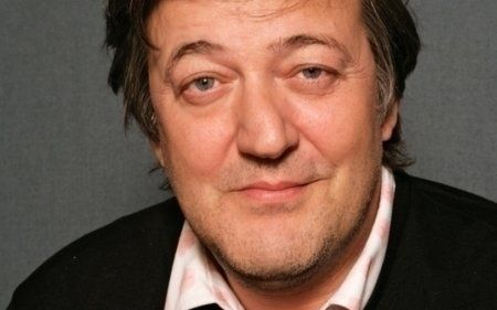 A Brief Opinion on... Stephen Fry - a charming erudite and entertaining man. But what happened to his nose?