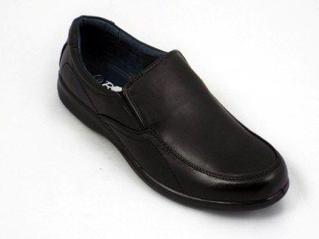 Pantofi barbati negri talpa comfortabila  la pretul de 69 RON. Comanda Pantofi barbati negri talpa comfortabila  de la Biashoes!