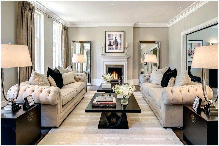 Einzigartiges Picture Chesterfield Sofa im Wohnzimmer mit …   – Small Living Room Furniture