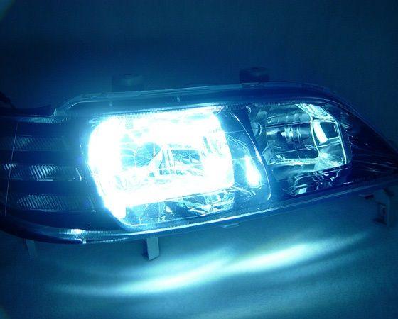 Reflektory ksenonowe: lepsze od zwykłych lamp? Czytaj na: http://www.iparts.pl/artykuly/reflektory-ksenonowe-lepsze-od-zwyklych-lamp,92.html