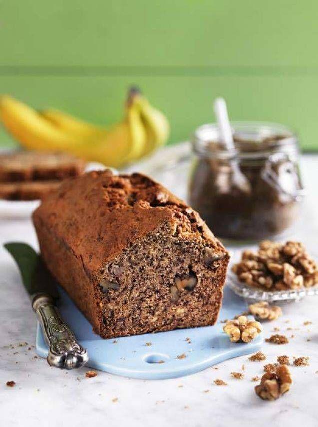 Roy Fares mumsiga kaka har god smak av banan och valnötter.