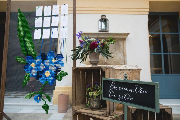 wedding decor, planner, organizacion eventos, inspiracion boda, inspiration, seating plan, parque de la marquesa | Photo by Miriam Alegría