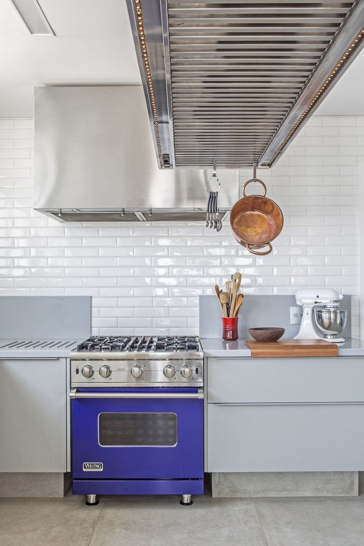 White subway tiles at their best in this kitchen! Recreate this look with out Portobello Liverpool tiles