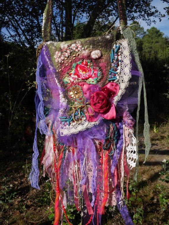 Kleine tas vilten wol, romantische, romantische, Boheemse tas, paarse, lila, rood, Wearable Art, uniek