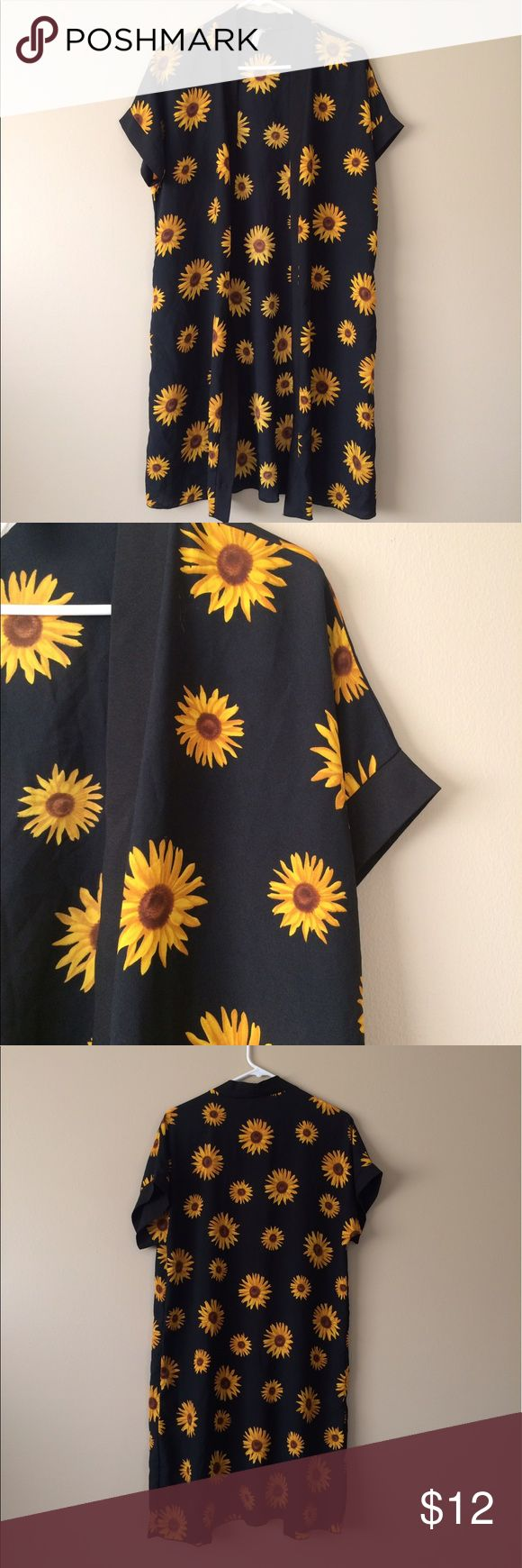 Daisy duster Adorable daisy duster from body central tag is worn off so I would say best fits a medium/large. Great condition Body Central Tops Blouses