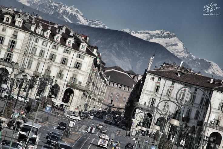 Via Po, Piazza Castello e le montagne.    www.steo.pro