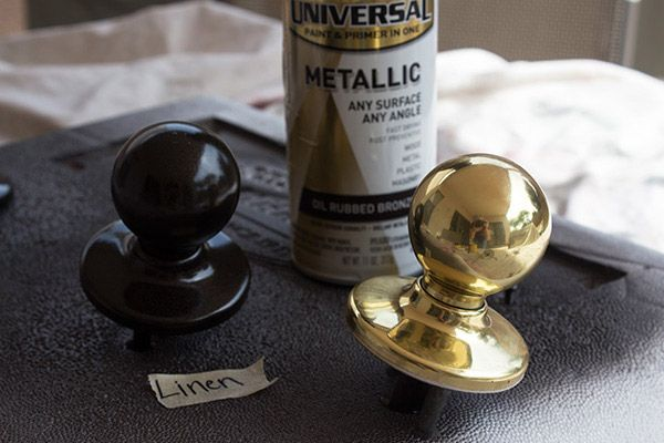 A coat or two of spray paint can make your old door knobs look new. It's an easy and inexpensive makeover for the doors in your home. See the tutorial on Handle the Heat. || @handleheat