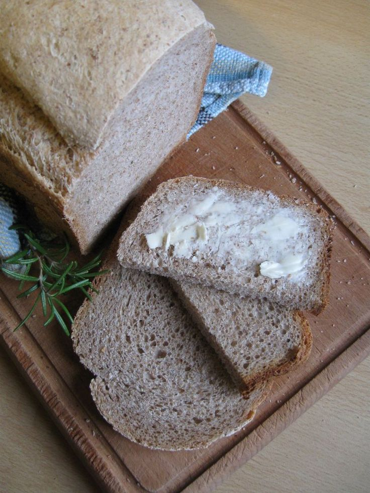 pane con pasta madre e macchina del pane