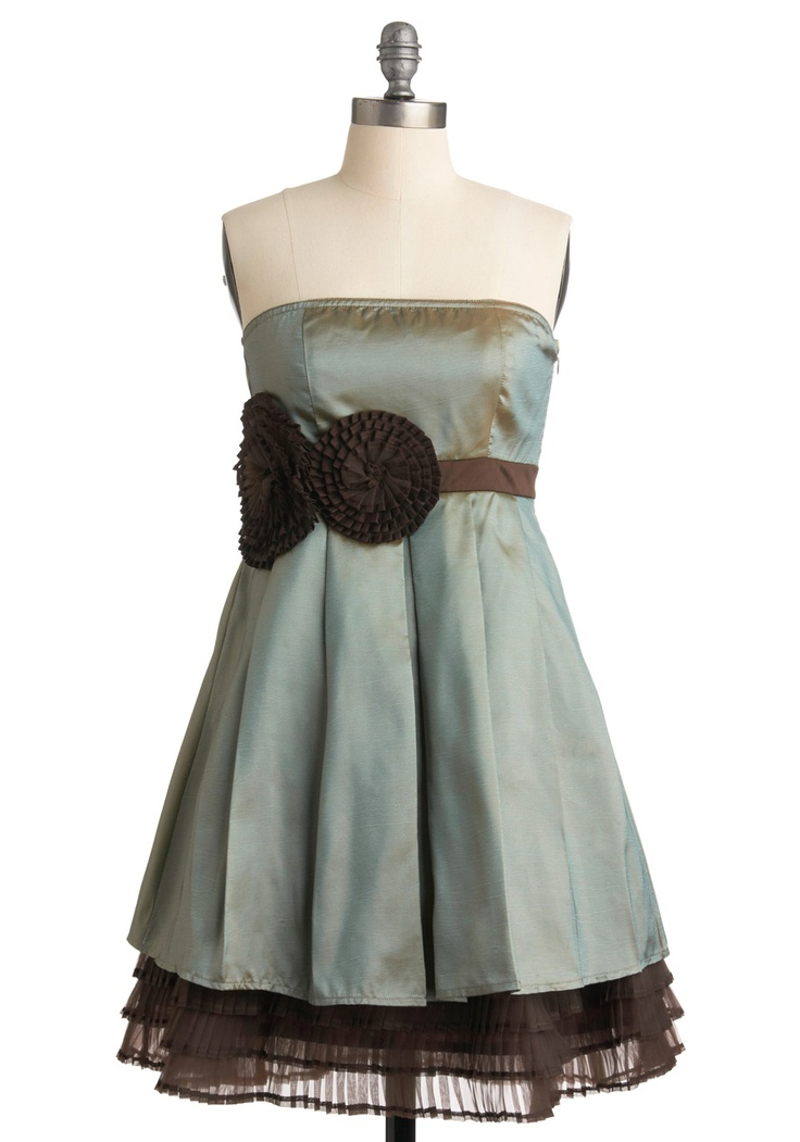 gimme some cowboy boots and a we'll call it a date!: Dresses Woman, Pinwheels Dresses, Cute Dresses, Parties Dresses, Clothing, Bridesmaid Dresses, Color, Dresses Fave, Beautiful Dresses