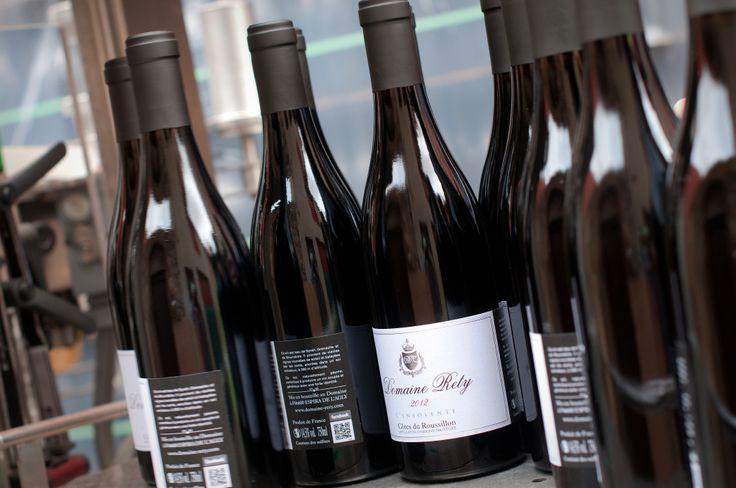 Ce Domaine produit un vin de grande qualité à base de Syrah, Mourvèdre et Grenache.