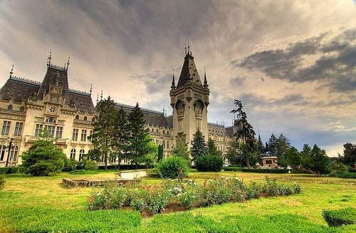 Palace of Culture from Iasi. See people, we have our own Versailles. Photo by @ Chodaboy