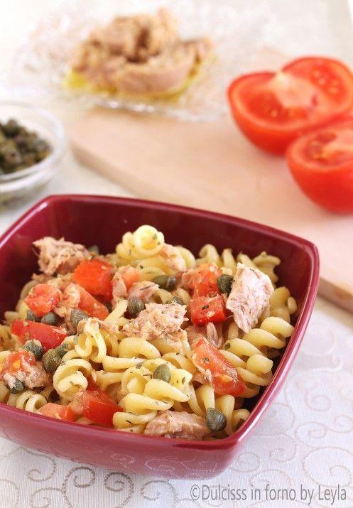 Pasta fredda con tonno, capperi e pomodorini: facile e gustosa